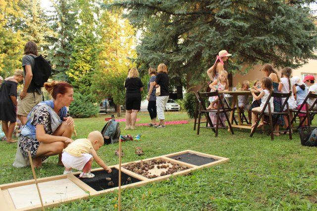 Tvorivé popoludnie v záhrade vily Skuteckých