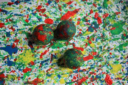 Tvorivo so Špuntami_Maľovanie s guličkami