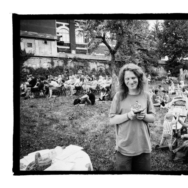 13 - Troj~koncert v záhrade Skuteckého: Juraj Havlík, Secret Session, Clube de ESQUIAR