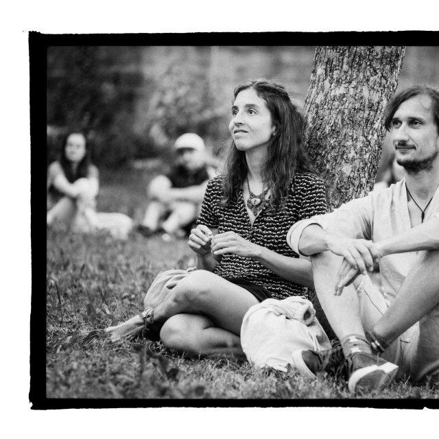 28 - Troj~koncert v záhrade Skuteckého: Juraj Havlík, Secret Session, Clube de ESQUIAR