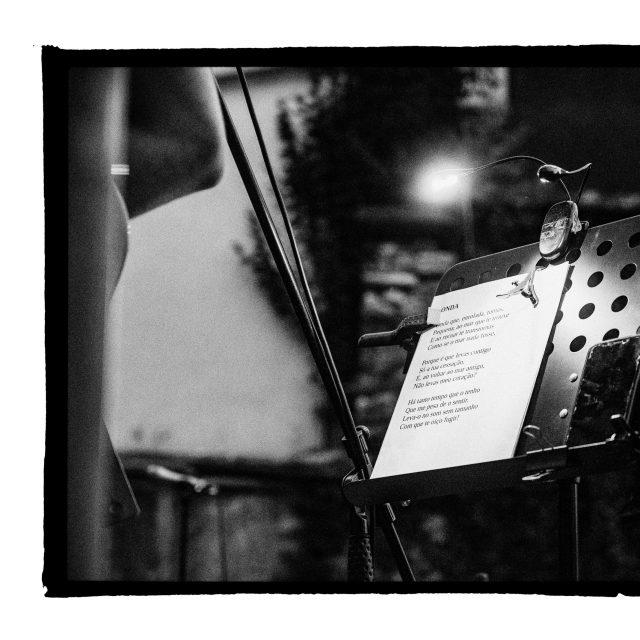 39 - Troj~koncert v záhrade Skuteckého: Juraj Havlík, Secret Session, Clube de ESQUIAR